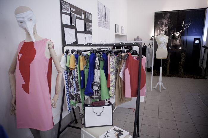 Le corner d'ISI / Prêt-à-porter féminin - ©Loic Benoit