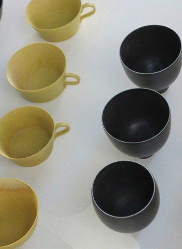 cica-gomez-ceramics-ceramique-noir-jaune