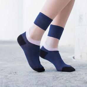 Atelier-St-Eustache-chaussettes-transparentes-mode-femme-rose