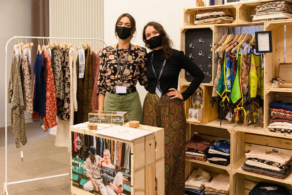 Elvira Gonzalez Olmeda et Lisa Revol, créatrices d'Azaadi