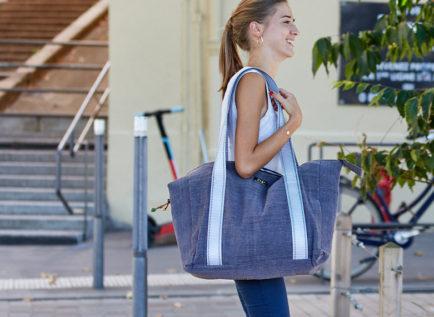 Grand sac de voyage bio bleu de la marque PagaBags